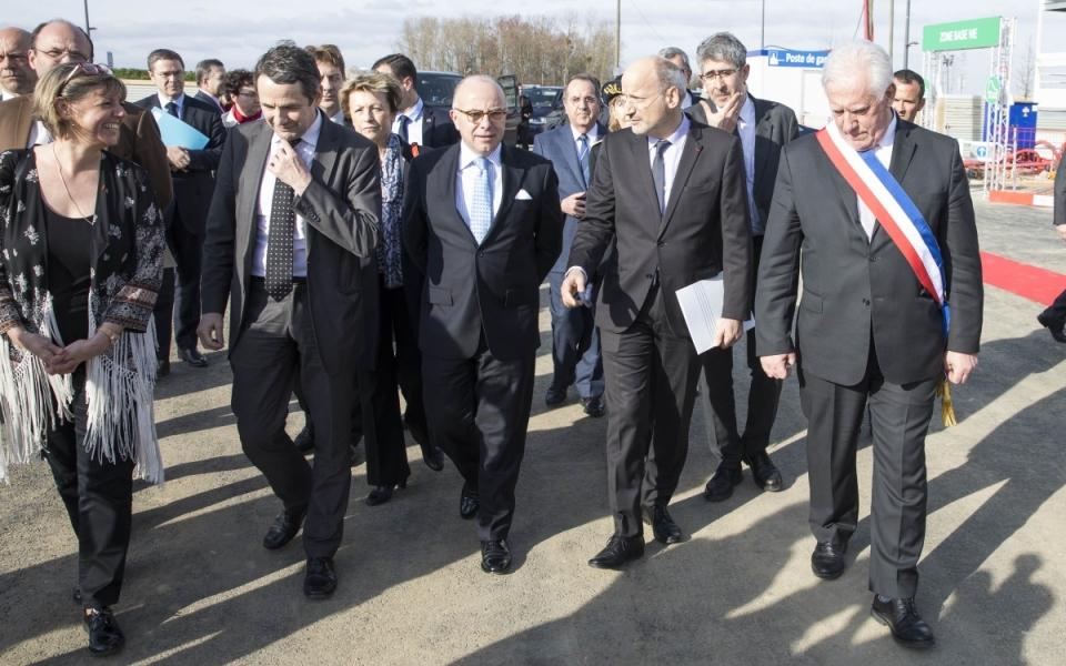 Arrivée du Premier ministre sur le chantier de l'École Normale Supérieure (ENS) Paris-Saclay