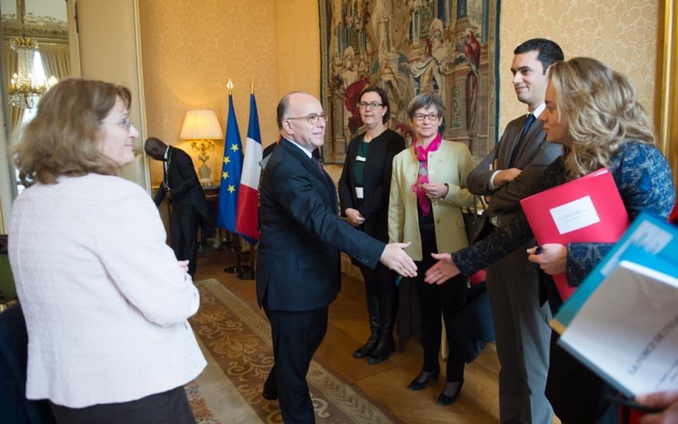 """Le Premier ministre reçoit Françoise Descamps-Crosnier pour la remise du rapport """"La force de l'égalité"""""""