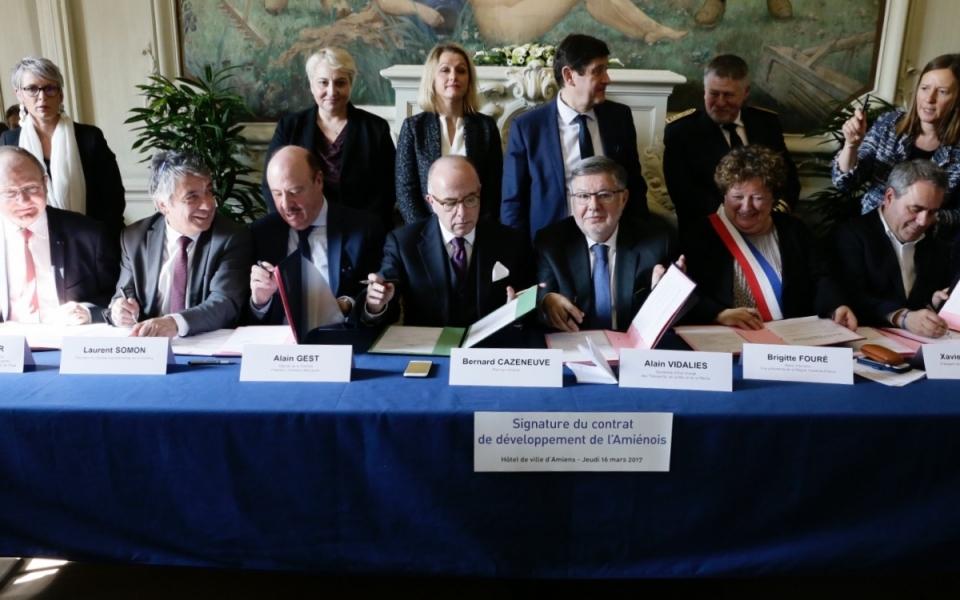 Signature du contrat de développement de l'Amiénois à l'Hôtel de ville d'Amiens