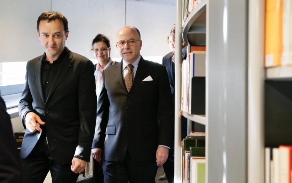 Le Premier ministre visite la bibliothèque de l'Institut du monde arabe pour sa réouverture