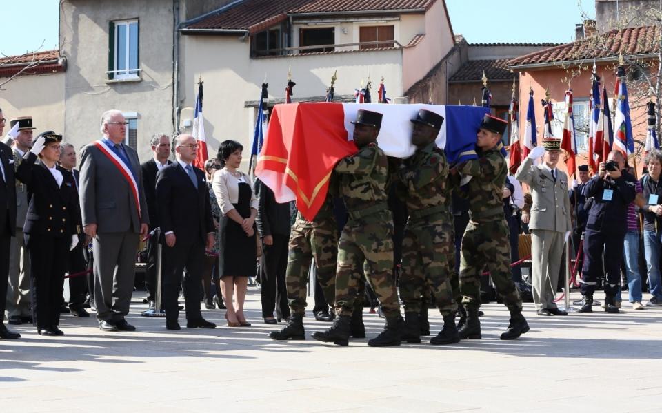 Bernard Cazeneuve rend hommage au soldat tombé lors de la bataille de la Somme en 1916, Gabriel Aymard