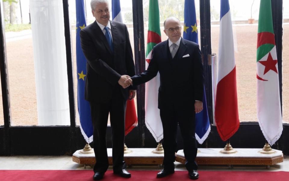 06/04 - Le Premier ministre aux côtés de son homologue algérien au Palais du Gouvernement