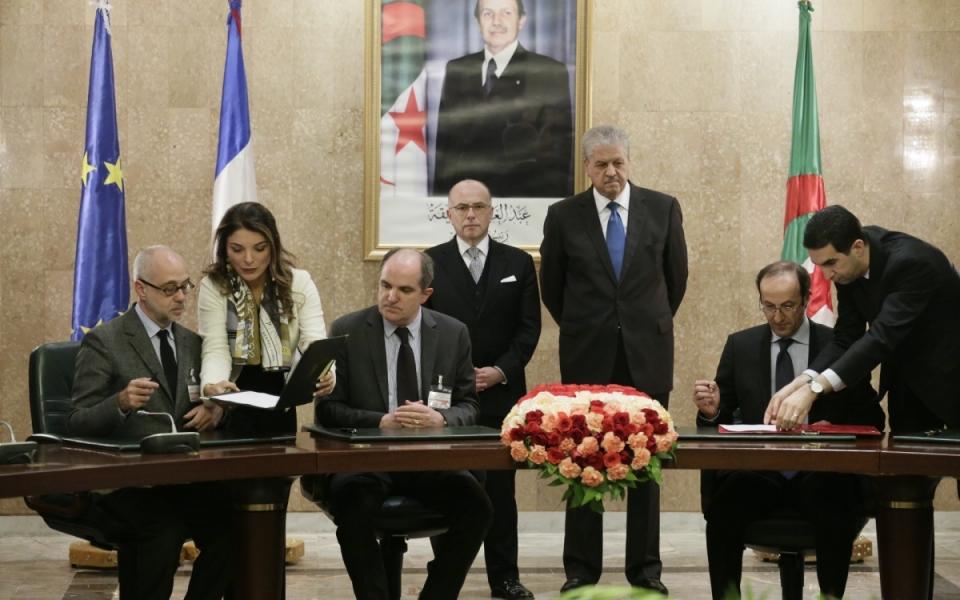 06/04 - Signature d'accords, en présence des deux Chefs de Gouvernement