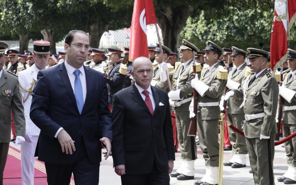 07/04 - Revue des troupes et hymnes nationaux aux côtés de Youssef Chahed, Chef du gouvernement de la République tunisienne