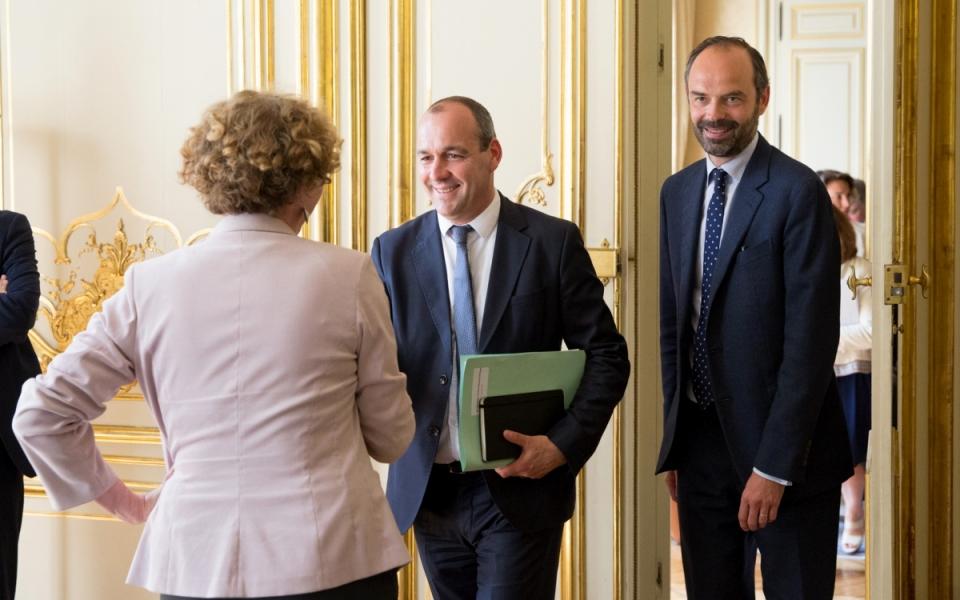 Laurent Berger, secrétaire général de la CFDT, accueilli par Muriel Pénicaud (de dos) et Édouard Philippe - lundi 29 mai