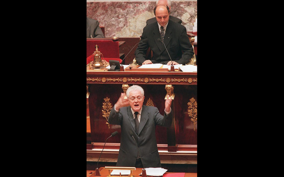 """""""Je le dis aux Français, ce pacte républicain, ce pacte de développement et de croissance, ce ne sont pas des promesses octroyées, mais une parole donnée pour qu'ensemble, nous donnions à la France le ressort et la force d'affronter son avenir. Mesdames et Messieurs les députés, je le dis avec gravité et avec résolution : je vous demande votre confiance parce qu'en conscience et en vérité, pour notre pays, j'ai confiance."""" Lionel Jospin, 19 juin 1997"""