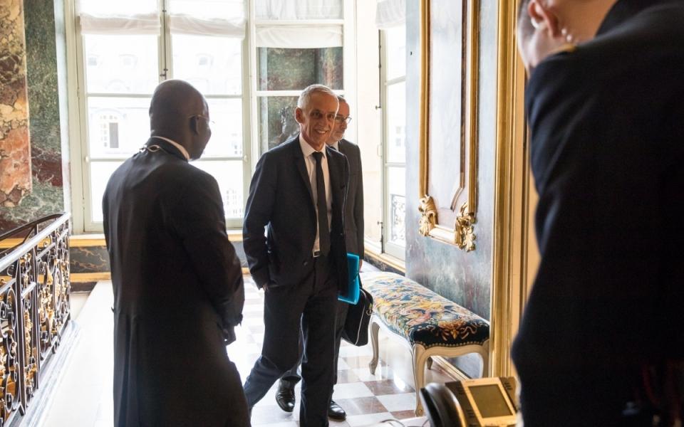 27/07 - Arrivée de Philippe Louis, Président de la CFTC, à l'Hôtel de Matignon