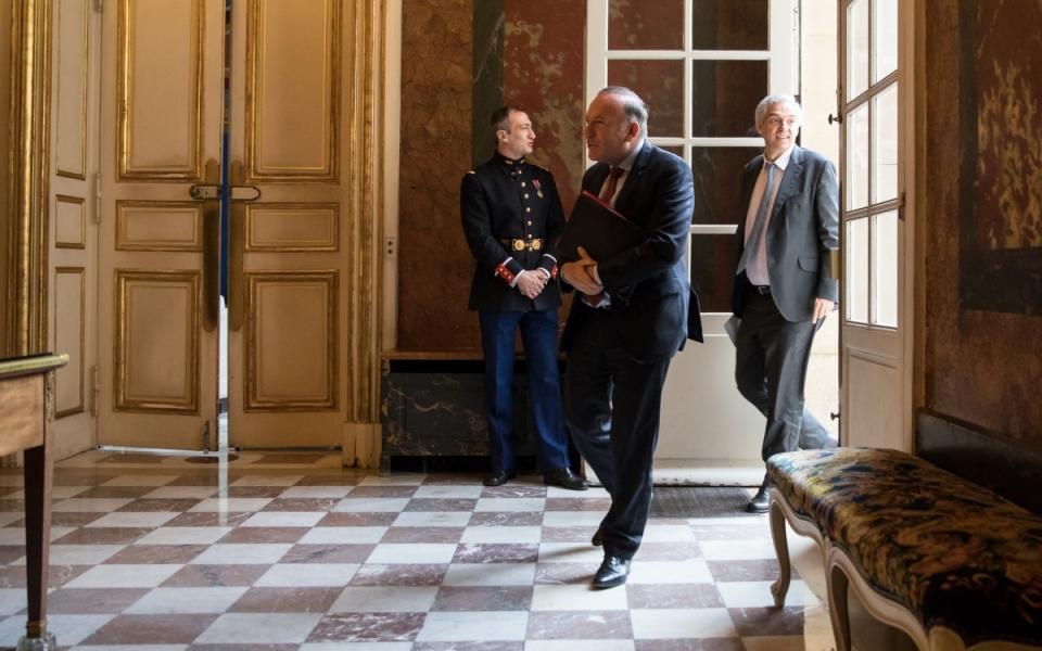 25/07 - Pierre Gattaz, Président du MEDEF, arrive à l'Hôtel de Matignon