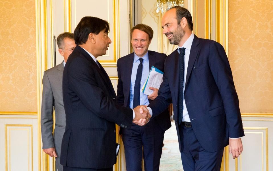 Le Premier ministre accueille le Président directeur général d'ArcelorMittal lors de son arrivée
