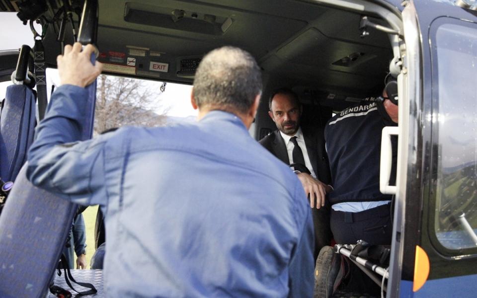Le Premier ministre à bord d'un hélicoptère de la gendarmerie