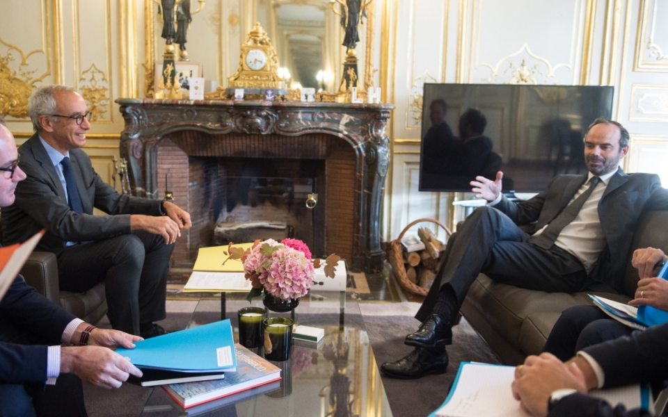 Le Premier ministre, Edouard Philippe, s'entretient avec Jean Pisani-Ferry