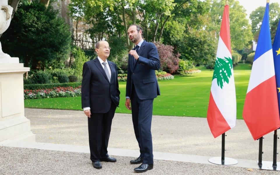 Édouard Philippe et Michel Aoun dans le jardin de Matignon