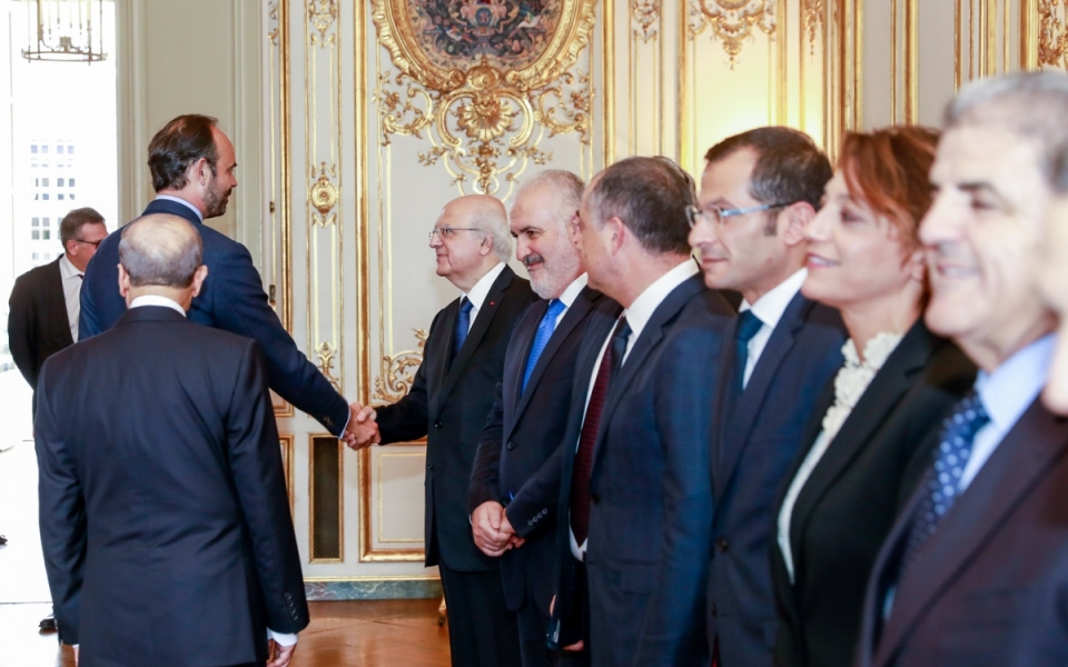 Édouard Philippe welcomes the Lebanese delegation