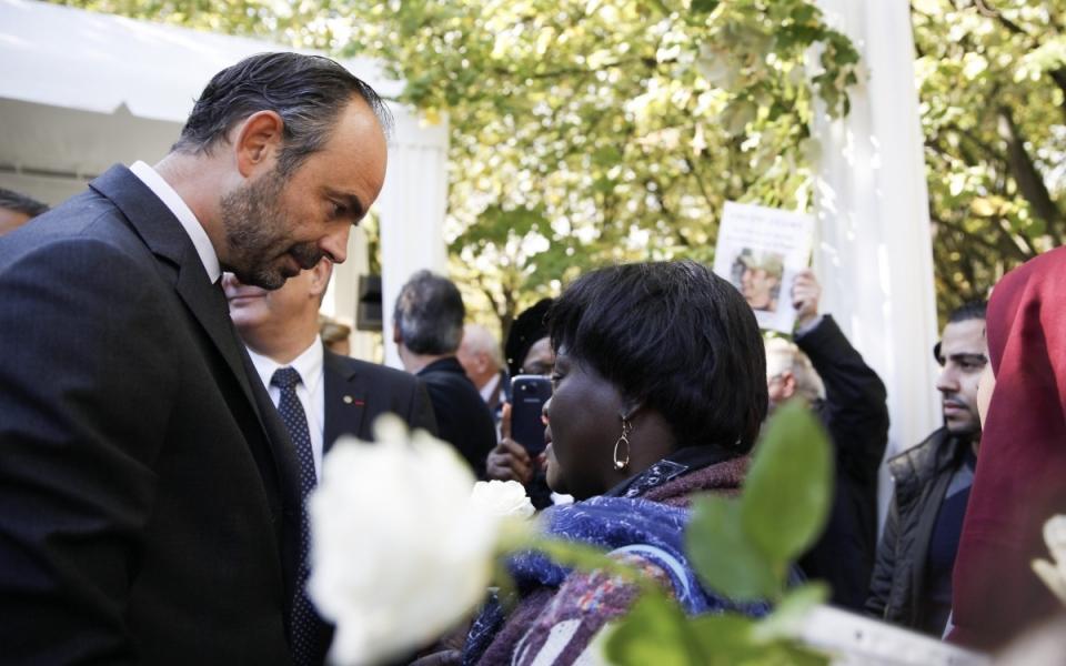 Édouard Philippe s'adresse à des proches de victimes