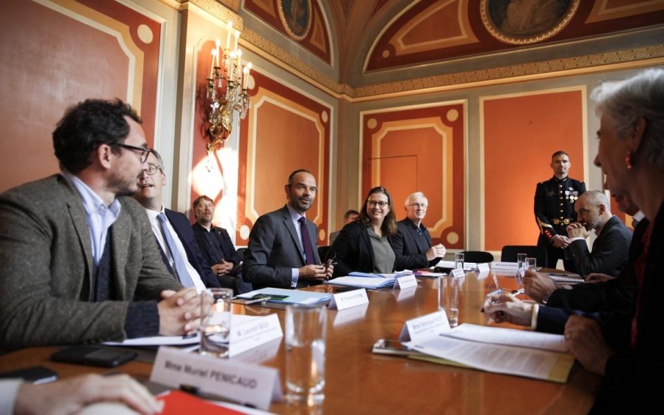 Réunion de travail entre Édouard Philippe, Muriel Pénicaud, Agnès Buzyn et les acteurs associatifs