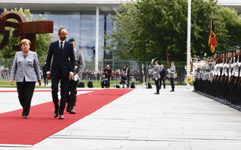 Honneurs militaires avec Angela Merkel à la Chancellerie fédérale