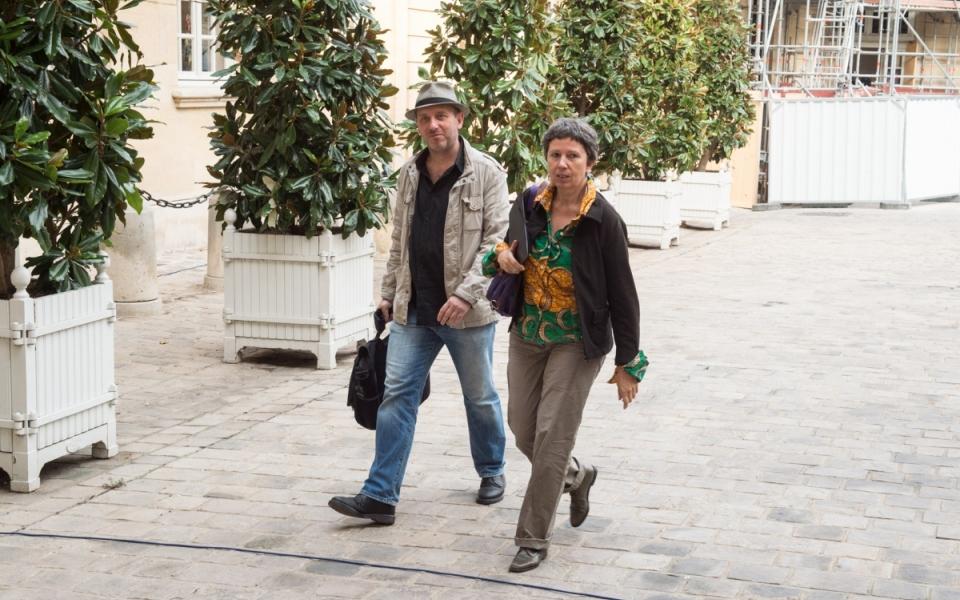 17/10 - Arrivée de Verveine Angeli, secrétaire nationale de l'union syndicale Solidaires, à l'Hôtel de Matignon