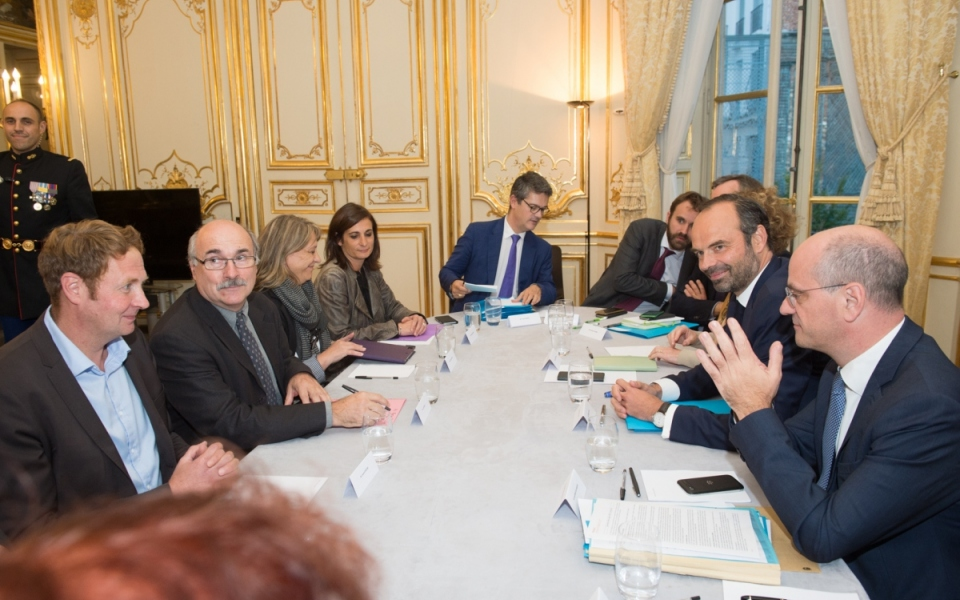 19/10 -  Entretien avec Luc Bérille, secrétaire général de l'UNSA (deuxième à partir de la gauche)