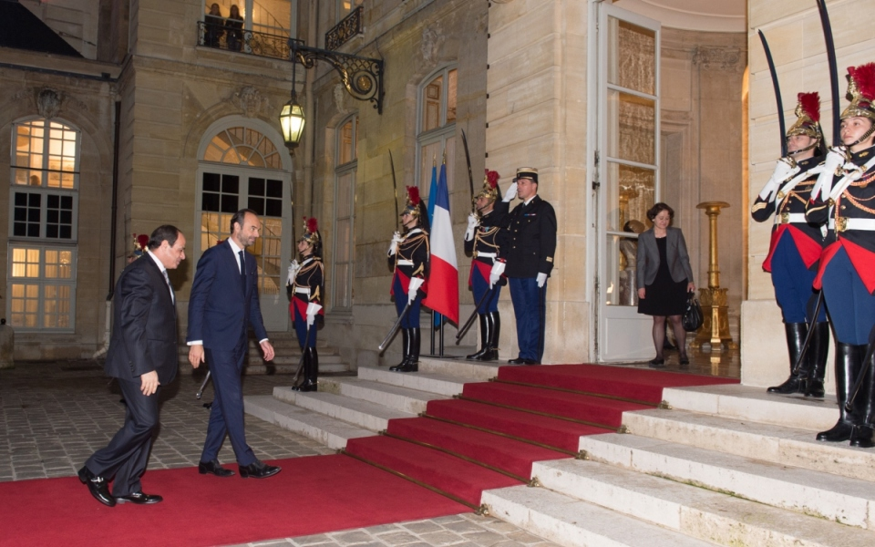 Le Premier ministre et le Président égyptien se sont dirigés vers l'Hôtel de Matignon pour s'entretenir