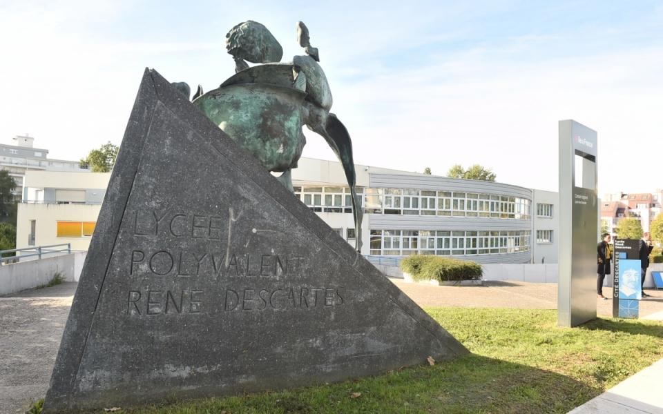 Le lycée René Descartes à Champs-sur-Marne (77)