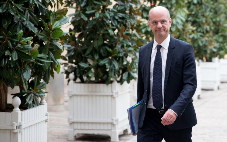 18/10 - Le ministre de l'Éducation nationale, Jean-Michel Blanquer, arrive à l'Hôtel de Matignon pour la deuxième journée de concertation avec les partenaires sociaux