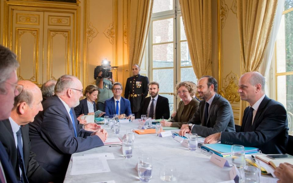 18/10 - Entretien entre le Premier ministre, la ministre du Travail, le ministre de l'Éducation nationale et le président de l'U2P