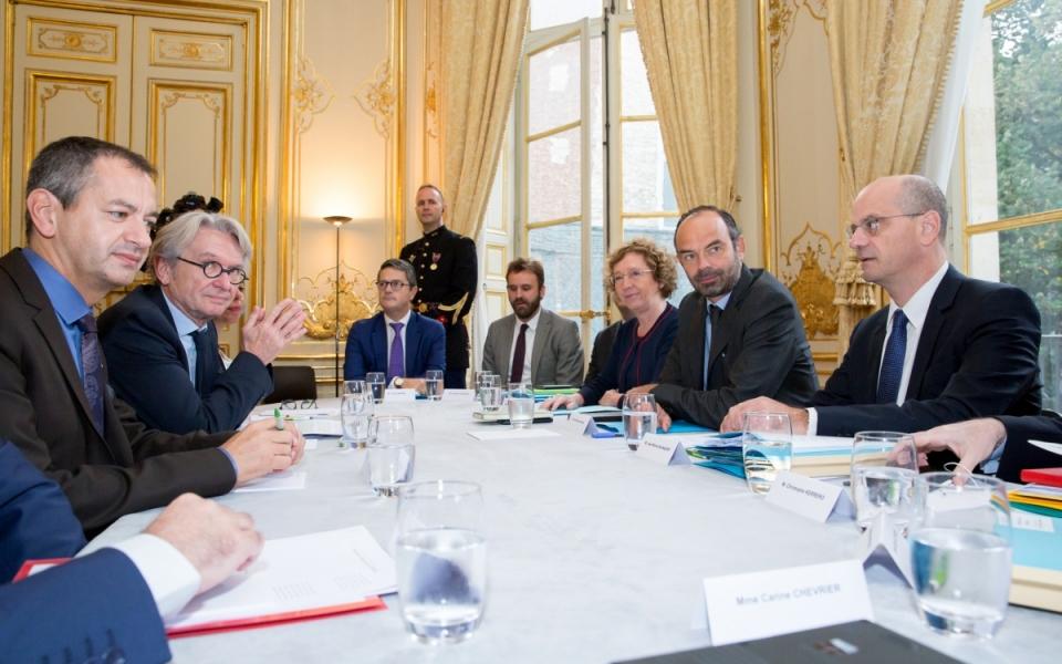 17/10 - Entretien entre le Premier ministre, la ministre du Travail, le ministre de l'Éducation nationale et le secrétaire général de FO
