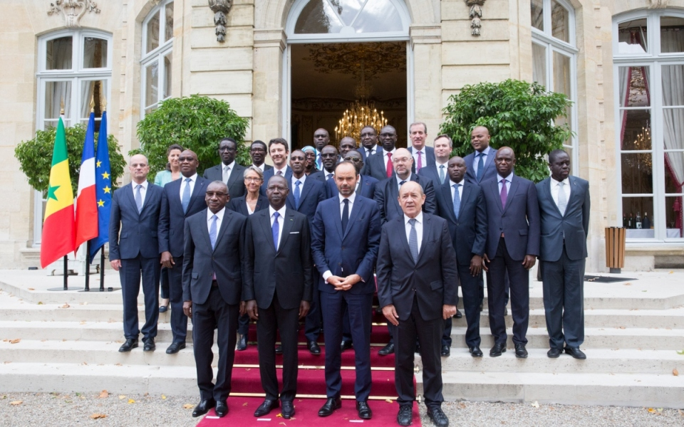 The official photograph at the end of the Franco-Senegalese intergovernmental seminar