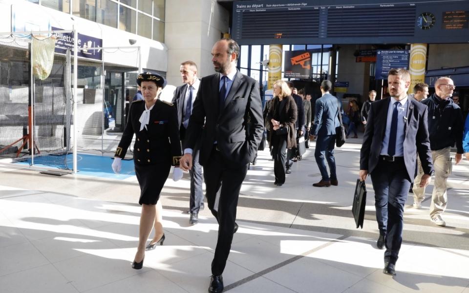 Arrivée du Premier ministre à la gare de Nantes