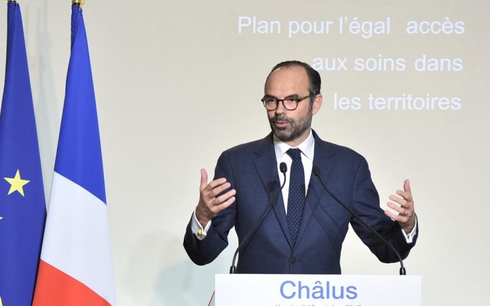 Le Premier ministre, Édouard Philippe, présente le plan pour un un égal accès aux soins dans les territoires