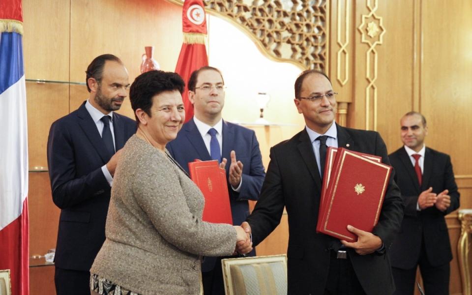 Cérémonie de signatures d'accords