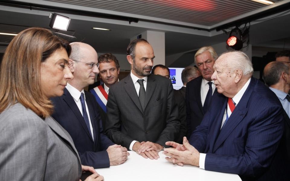 Échanges entre le Premier ministre, le ministre de l'Éducation nationale et le maire de Marseille