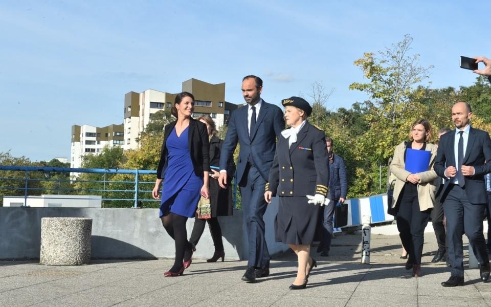 Arrivée du Premier ministre et de la secrétaire d'État chargée de l'Égalité entre les femmes et les hommes