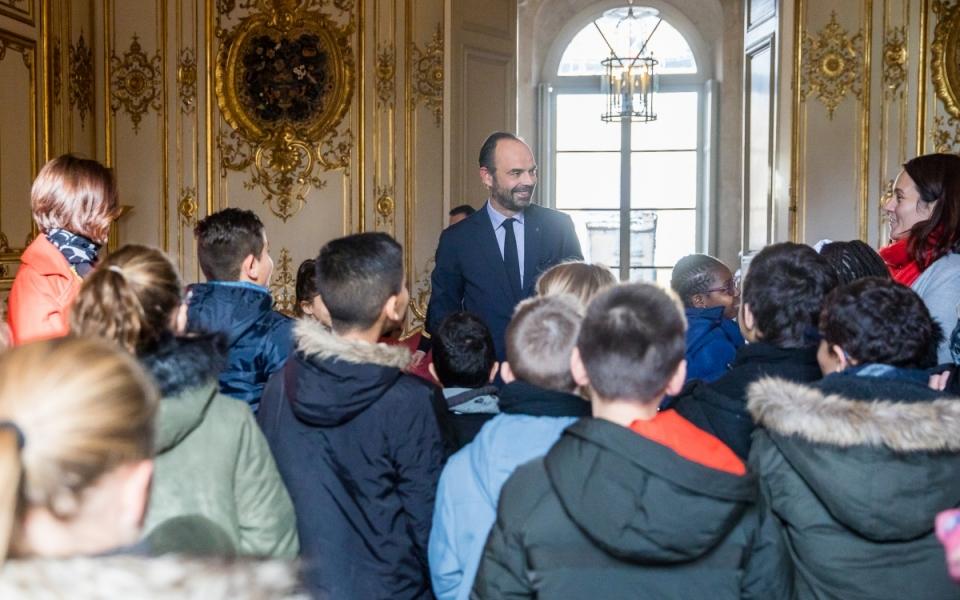 Édouard Philippe acceuille la  classe de CM2 de l'école Théophile Gautier du Havre