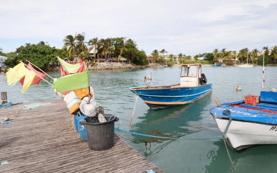 Tout comme le secteur de l'agriculture, la pêches a durement souffert suite aux ouragans