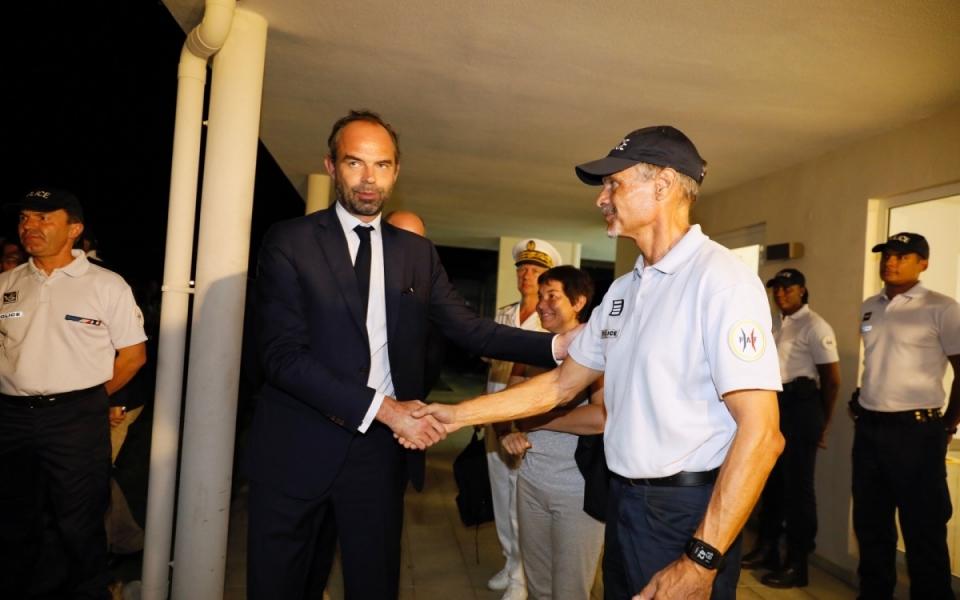 05/11 - Le Premier ministre et les agents de la PAF