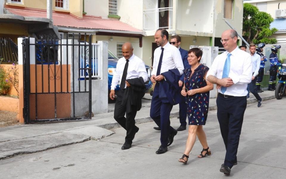 06/11 - Le Premier ministre et les ministres se sont rendus dans le Quartier d'Orléans