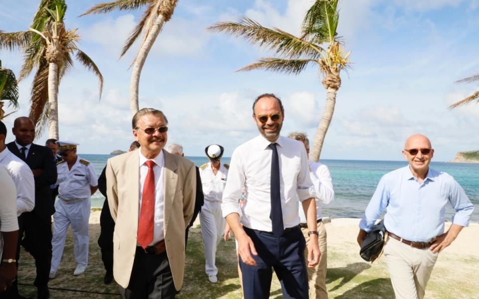 06/11 - Le Premier ministre aux côtés du préfet délégué à la reconstruction des îles Saint-Martin et Saint Barthélémy, Philippe Gustin