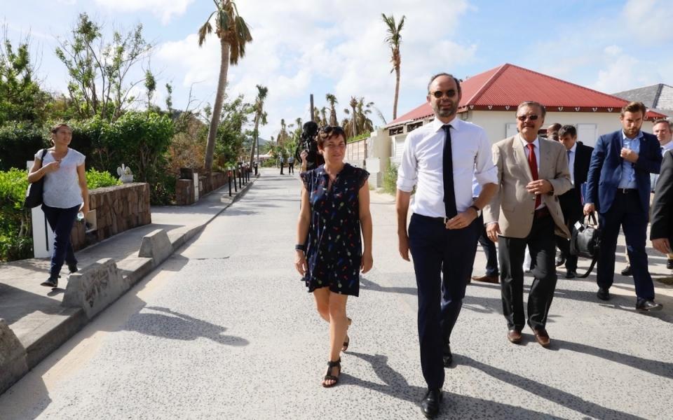 06/11 - Le Premier ministre aux côtés d'Annik Girardin, ministre des Outre-mer