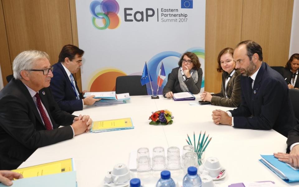 Edouard Philippe, Nathalie Loiseau et Jean-Claude Juncker en réunion