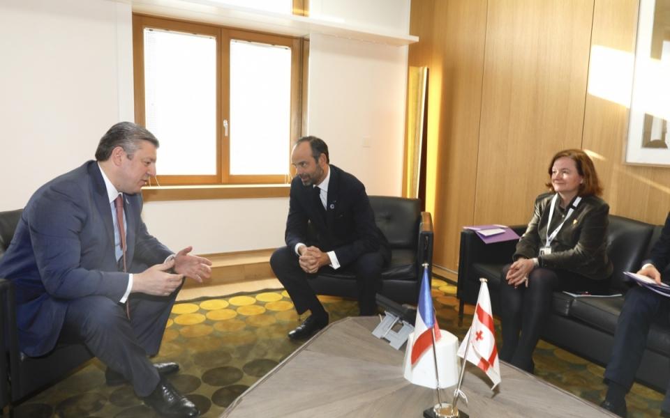 Edouard Philippe et Nathalie Loiseau en réunion avec le Premier ministre géorgien, Guiorgui Kvirikachvili