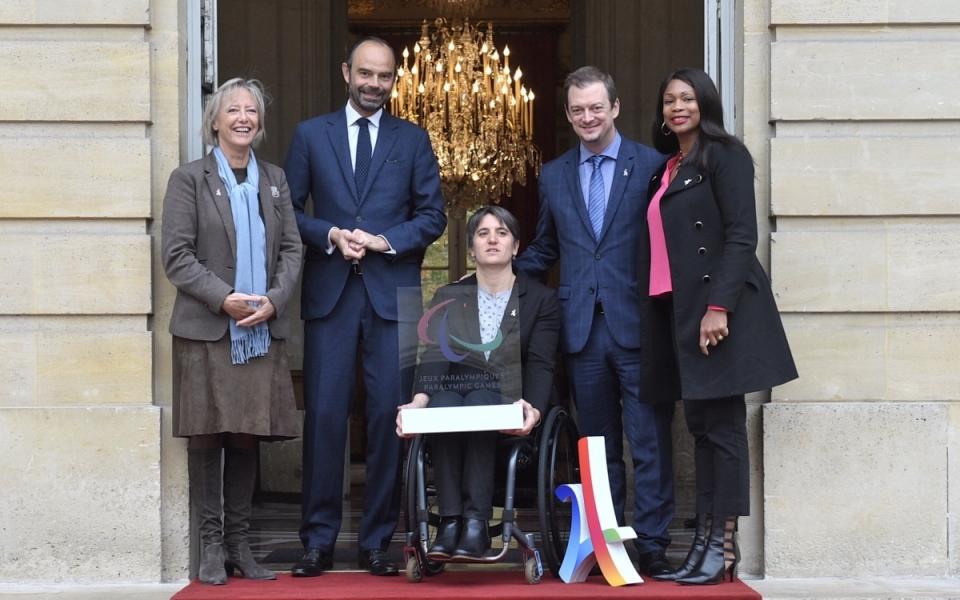 Le Premier ministre et les ministres Laura Flessel et Sophie Cluzel ont accueilli le président du Comité international paralympique
