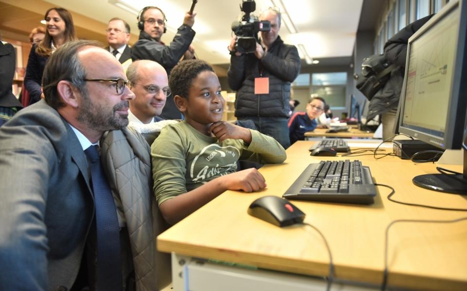 """Le Premier ministre et le ministre de l'Éducation nationale ont pu échanger avec les élèves participant au dispositif """"Devoirs faits"""""""