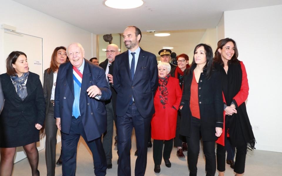 Arrivée du Premier ministre et de Brune Poirson à l'école Sainte-Marthe Audisio