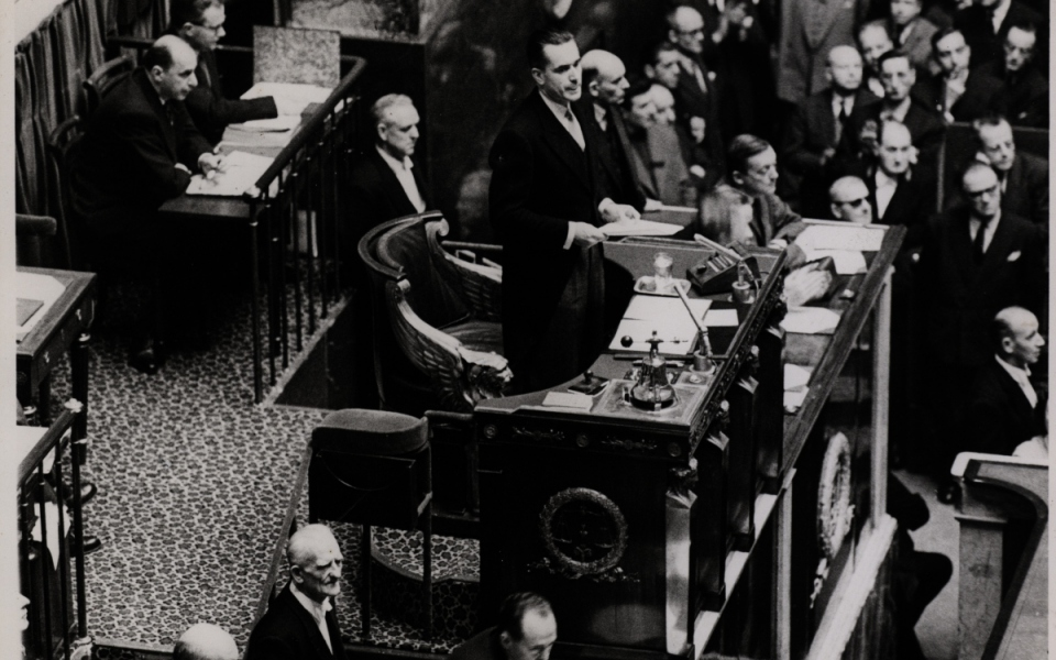 Jacques Chaban-Delmas, président de l'Assemblée nationale, prononce une allocution, le 11 décembre 1958