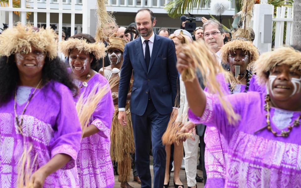 02/12/17 - Accueil du Premier ministre par Philippe Michel, président de l'assemblée de la Province Sud.