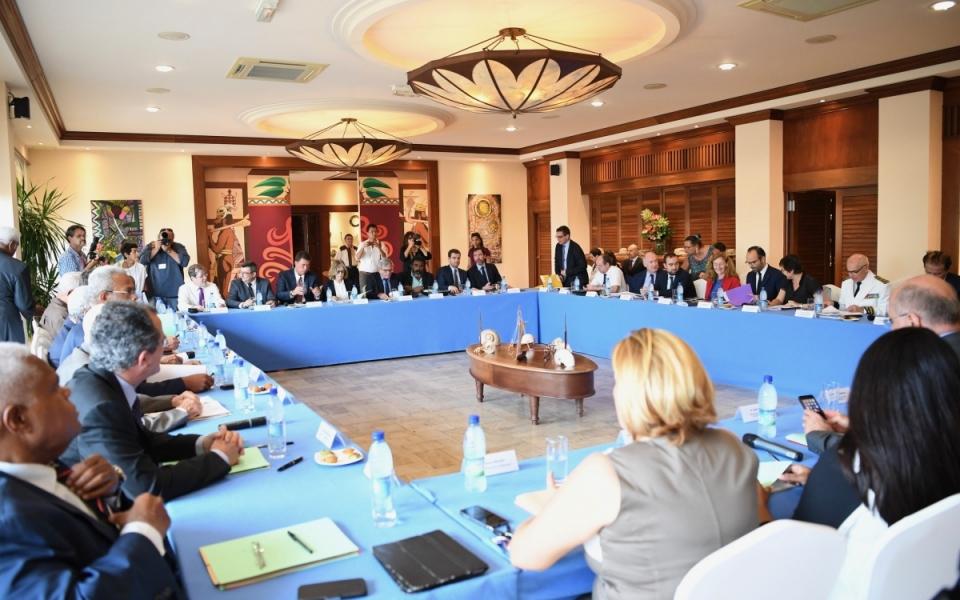 02/12/17 - Réunion de suivi du comité des signataires de l'Accord de Nouméa.
