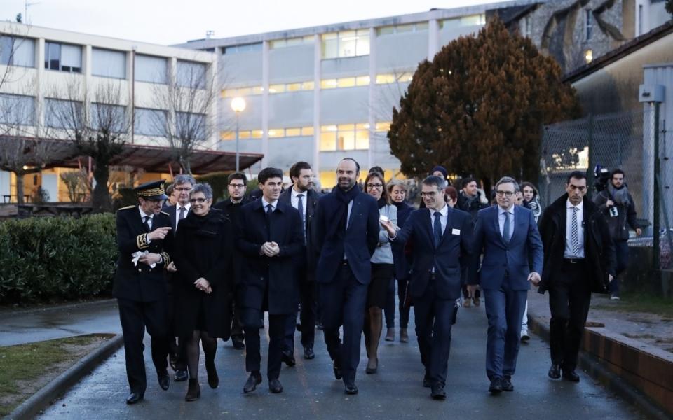 Gourdon - Arrivée du Premier ministre à la cité scolaire Léo Ferré de Gourdon