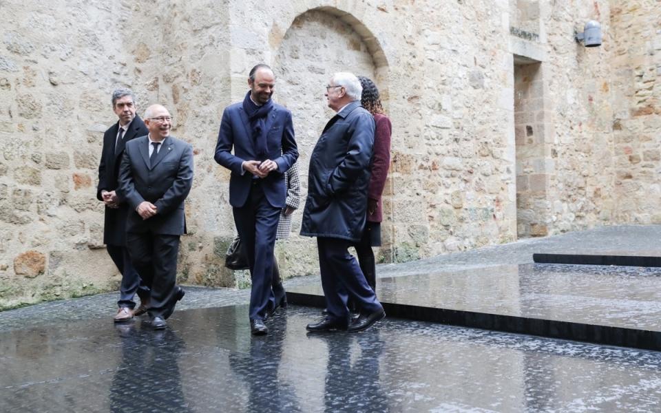 Figeac - Le Premier ministre découvre la Place aux écritures