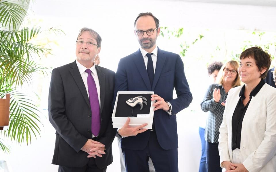 02/12/17 - Le Premier ministre aux côtés de Philippe Michel et d'Annick Girardin, ministre des Outre-mer.